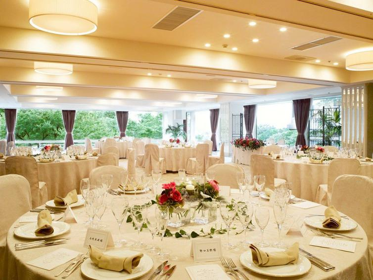 ホテルで結婚式
