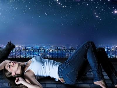 眠れない時は開き直って夜を楽しむ!まったりする夜の楽しみ方