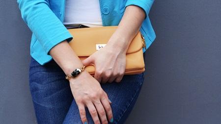 腕時計のつけ方で女性らしさアップ