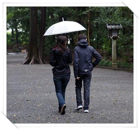 雨の日のデートを楽しく幸せなものにする12の方法03