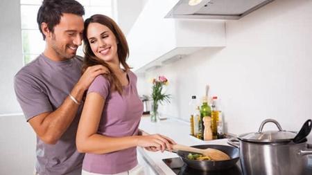 手料理で家庭的さをアピール