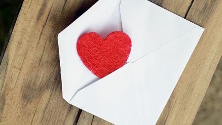 距離があるから温もりが伝わる手紙が効果的