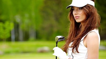 ゴルフが趣味な女性はアクティブなイメージ