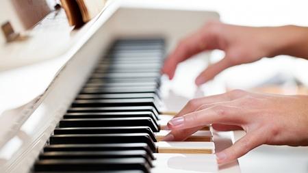ピアノが趣味な女性は清楚なイメージ