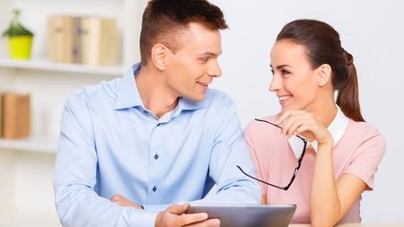 職場の仲間での恋愛に発展するきっかけ