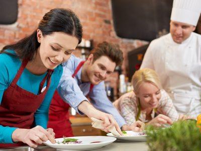 良い出会いは料理教室にある理由!自然な出会いができる?