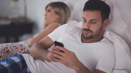 メールやLINEの送受信や通話履歴をすぐに削除する