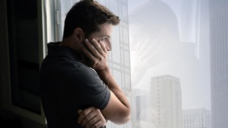 別れをひきずる男性の心理