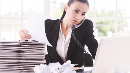 仕事や勉強で自分を多忙な状態にする