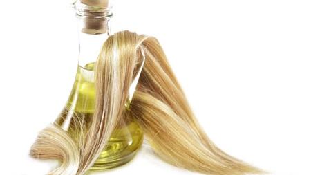 オリーブオイルで髪しっとりサラサラ