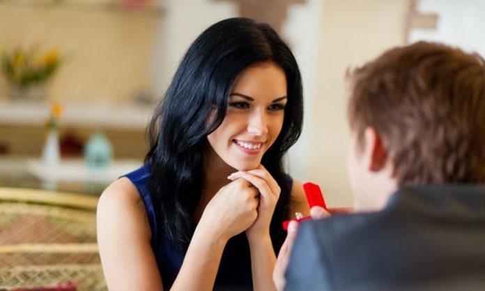 「結婚しよう」と思わせて言わせる自然なアピール方法