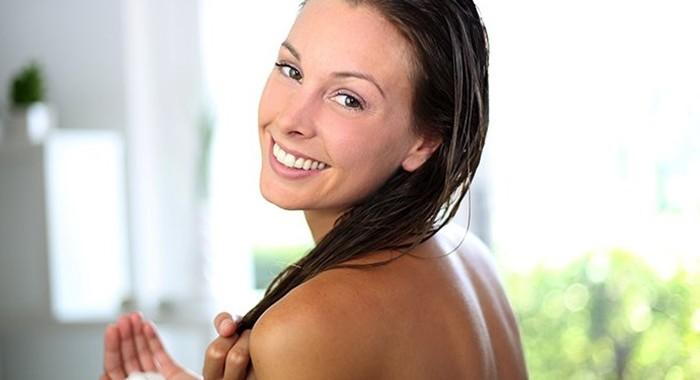 髪サラサラになる簡単で意外な11方法!高いヘアケア商品はもう買わない!