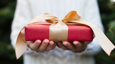 プレゼントと一緒に