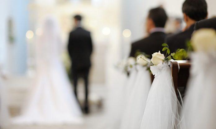 結婚式の平均費用11スタイル別!結婚を考えるカップルは必見!