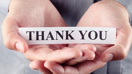 11、感謝の気持ちを表現できる 人に何かしてもらったときに素直に「ありがとう」と言える女性になりましょう。ちょっとしたことに対しても、きちんと「ありがとう」といわれるのは嬉しいもの。感謝の気持ちを持っている女性は、内面の綺麗な人として認められます。 これくらいしてもらって当然、と思っていると、その不遜な考えが言葉や態度として表れてしまい、図らずもも相手に伝わってしまいます。いくら外見が可愛くても、感謝の気持ち一つ口に出せない女性に対しては、男性の気持ちもやがて冷めていってしまいます。